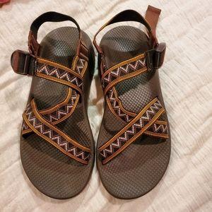 Nwot chaco brown Aztec